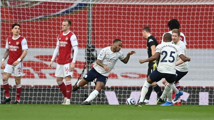 Willi Orban setzt mit dem wuchtigen Kopfball zum 3:0 den Schlusspunkt für Leipzig. (Keystone)