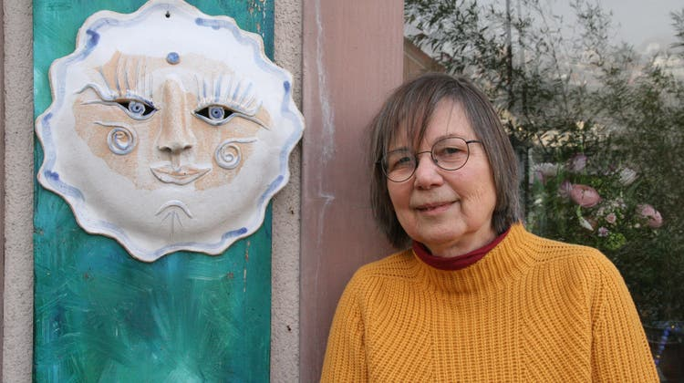 Nika Schudel betreibt in der Laufenburger Altstadt ein Keramik-Atelier. (Bild: Peter Schütz)
