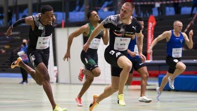 Silvan Wicki holt den Schweizer Rekord über 60 Meter. Trotzdem weiss er, dass er es noch besser könnte. (Peter Klaunzer / KEYSTONE)