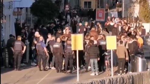 Menschenansammlung amAaremürli: Polizei räumte am Samstag den Landhausquai