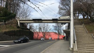 Der Fussgängerübergang bei der Tribschen-/Langensandstrasse. (Bild: Hugo Bischof (Luzern, 22. Februar 2021))