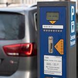 Die SVP will, dass die Gebühren fürs Parkieren die ersten 30 Minuten entfallen. (Bild: Alex Spichale)