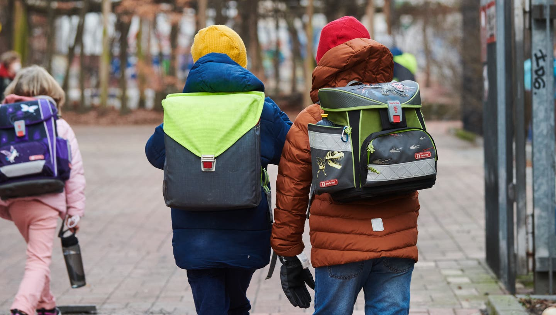 In Deutschland war am Montag der erste Präsenz-Schultag seit Mitte Dezember. (Keystone/dpa)