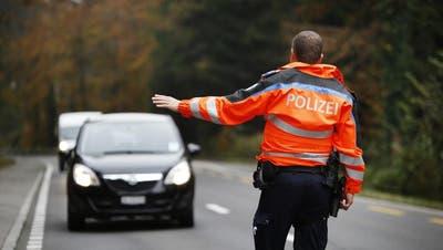 19-jähriger Motorradfahrer ohne Lernfahrausweis: Wilde Verfolgungsjagd mit Blaulicht endet mit hoher Busse