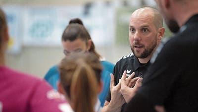 Spono feuert seinen Trainer, aber niemand will sagen warum