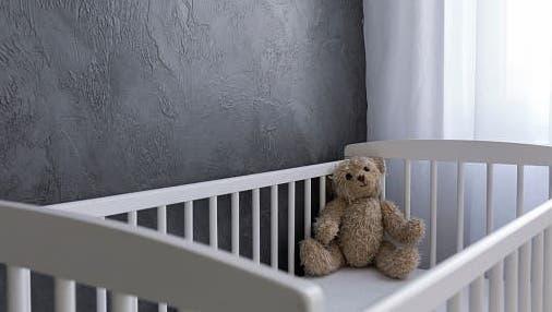 In diesem Einfamilienhaus in Staad fand die Polizei im Sommer 2015 ein totes Mädchen im Keller. Der Leichnam des Kleinkindes war in einem Koffer versteckt. (Archivbild: Gian Ehrenzeller/key)