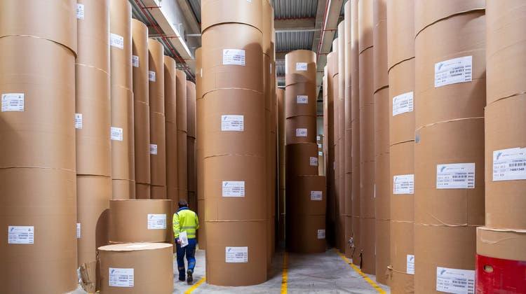 Blick ins Papierlager der CPH Chemie+Papier Holding in Perlen. (Bild: Patrick Hürlimann (25. Februar 2020))