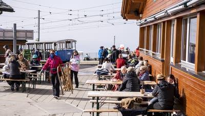 Der Streit um die Schliessung von Terrassen in Skigebieten hat in den letzten Wochen die Gemüter erhitzt. (Symbolbild) (Keystone)