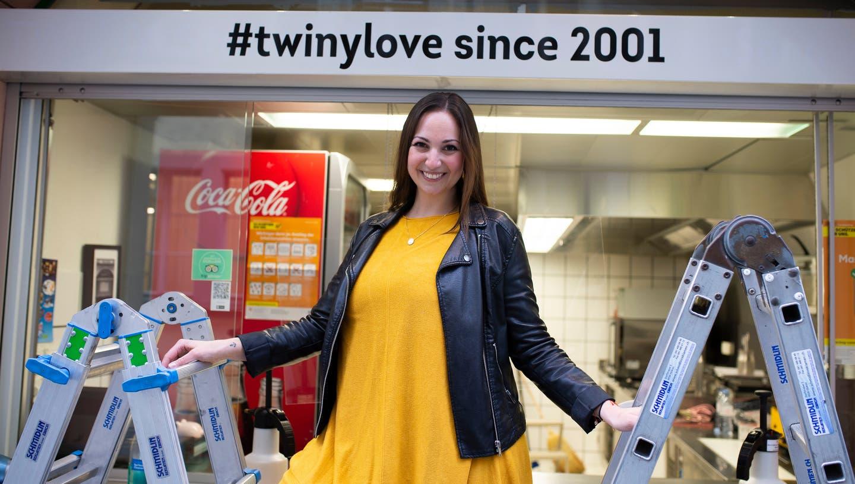 Die Luzerner Sandwich-Königin«Twiny Station» ist zurück – mit einem neuen Auftritt. Im Bild Co-Inhaberin und Geschäftsführerin Nadia Adlun vor ihrem Take-awayan der Rössligasse in der Luzerner Altstadt. (Bild: Dominik Wunderli (Luzern, Februar 2021))