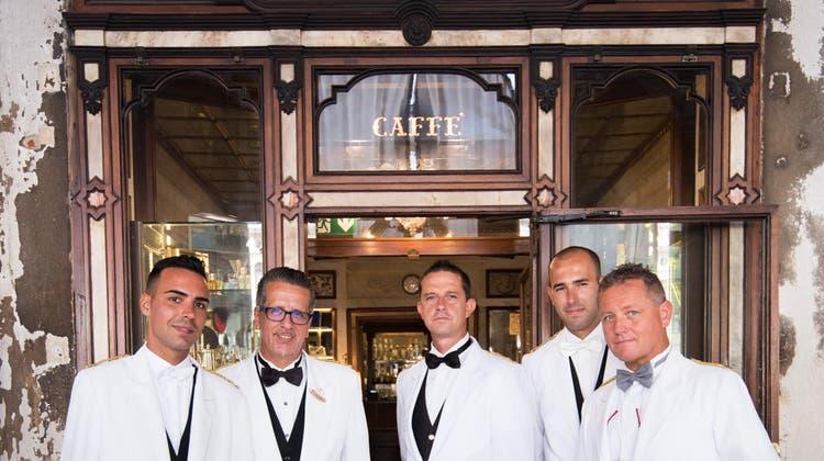 Im Caffè Florian, dem womöglich ältesten noch geöffneten Café weltweit, verkehren seit 300 Jahren Gäste.