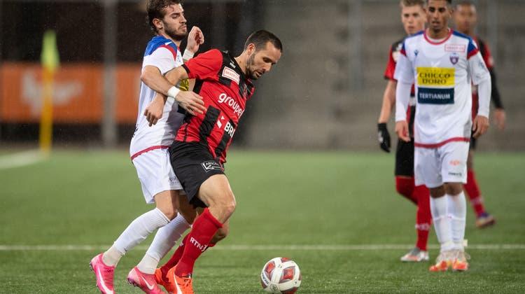 Der 38-jährige Raphael Nuzzolo (Mitte) ist mit fünf Treffern bester Xamax-Torschütze. (Claudio De Capitani / freshfocus)