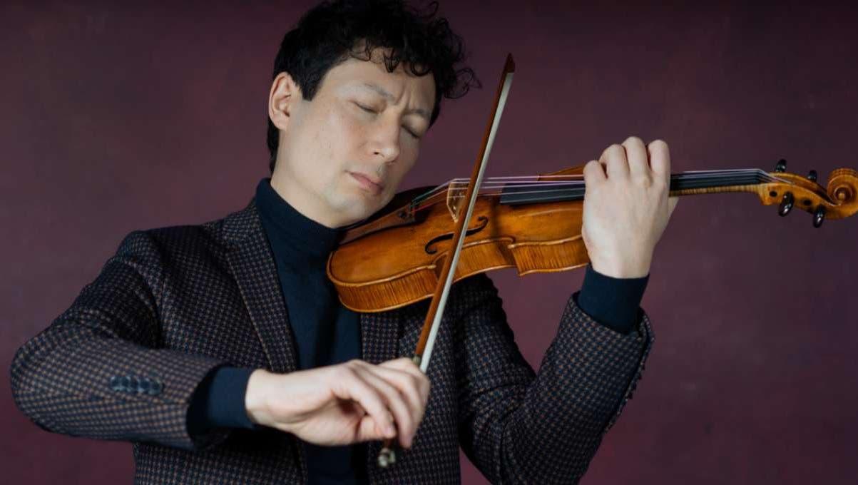 Spielt im Livestreamkonzert der Festival Strings Lucerne die Stradivari «Sellière»: Konzertmeister Daniel Dodds.