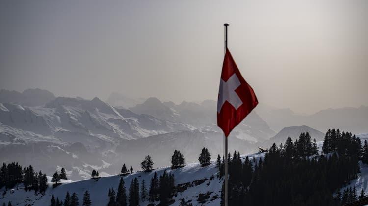 Trübe Sicht: Saharastaub zieht über die Schweiz. (Keystone)