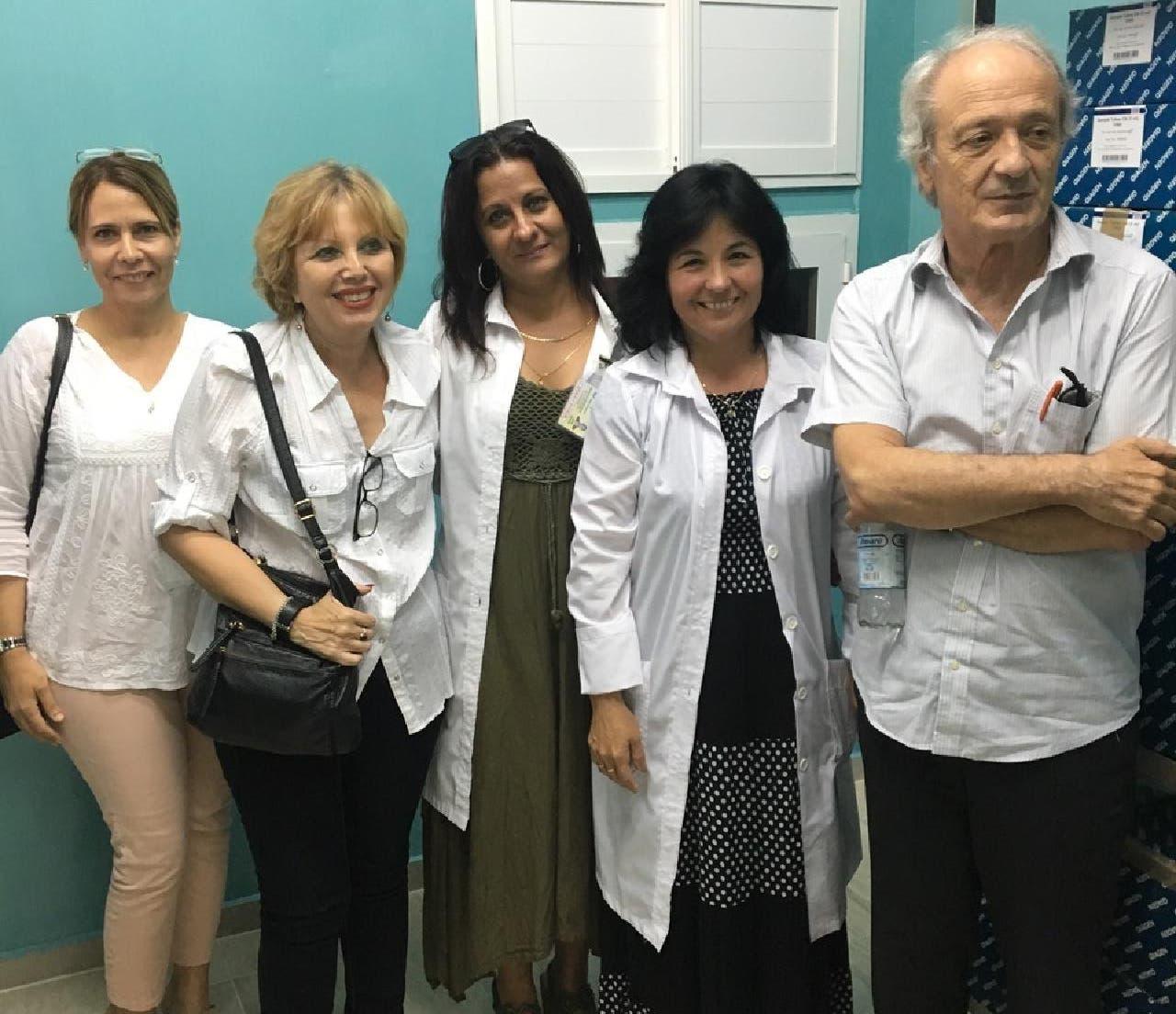 Ex-SP-Fraktionschef Franco Cavalli mit medizinischem Fachpersonal in Kuba