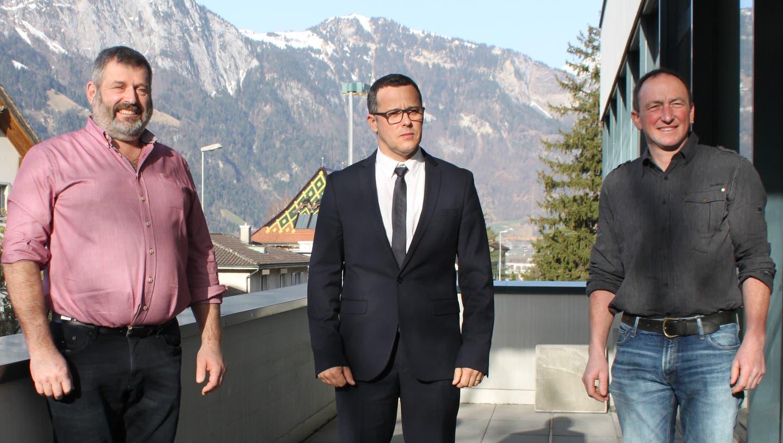 Sie wurden zuhanden der Korporationsgemeinde nominiert (von links): als Verwalter Lukas Wyrsch, als neuer Präsident Kurt Schuler und als neuer Vizepräsident Wendelin Loretz. (Bild: Markus Zwyssig (Altdorf, 26. Februar 2020))