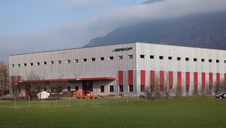 Das Industrieunternehmen Berghoff im Dezember 2019 nahe dem Urner Kantonshauptort Altdorf. Im gleichen Monat wurde der Standort von der Benpac-Gruppe übernommen. (Bild: Florian Arnold)