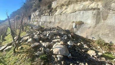Seit dem ersten Felssturz fanden mehrere Augenscheine mit Experten statt. (Bild: Seraina Hess)