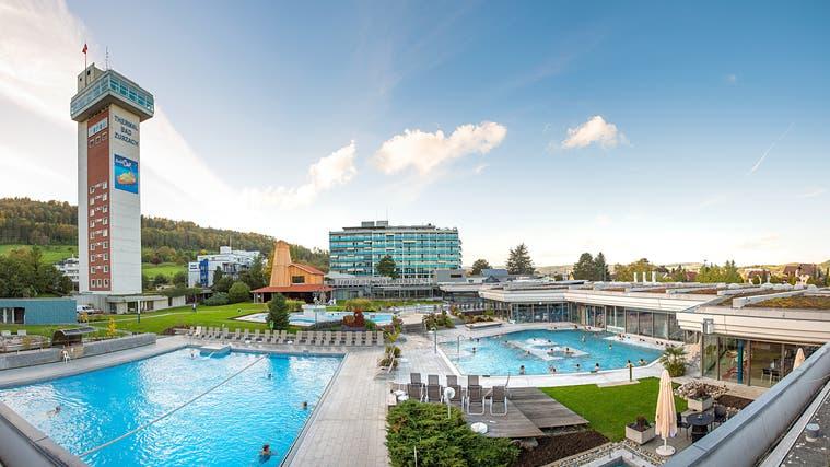 Ein kleiner Lichtblick: Ab Montag sind im Thermalbad in Bad Zurzach wieder Gäste zugelassen. Allerdings nur im Aussenbereich und lediglich ein Drittel der normalen Kapazität. (zvg)