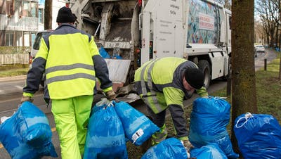 Schweizer produzieren viel Abfall. (Bild: Lukas Lehmann/Keystone)