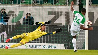 Gegen Lausanne landete nur Arthur Cabral im Tornetz. In St. Gallen soll es der Ball sein. (Marc Schumacher / freshfocus)