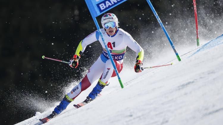 Der 23-jährige Marco Odermatt zeigte eine gute Leistung in Bulgarien und fährt auf Rang fünf. (AP)