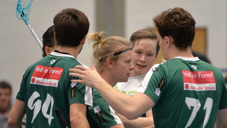 Im Moment liegen die Spieler des SV Wiler-Ersigen um den Finnen Joonas Pylsyin der NLA vorne. (Hans Peter Schläfli)