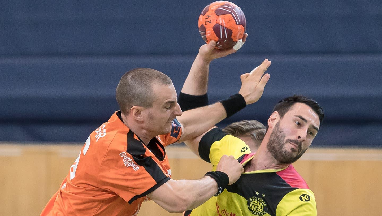 Häufig alleine gelassen: St.Otmars Goalie Aurel Bringolf. (Michel Canonica)