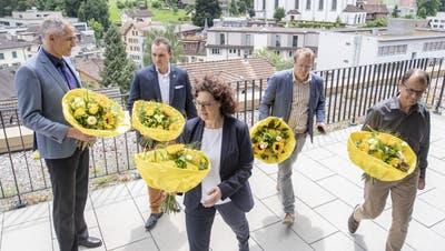 Der neue Krienser Stadtrat (von links) mit Roger Erni (FDP), Marco Frauenknecht (SVP), Stadtpräsidentin Christine Kaufmann (CVP), Maurus Frey (Grüne) und Cla Büchi (SP). (Bild: Urs Flüeler/ Keystone (Kriens, 28. Juni 2020))
