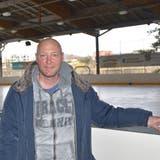 Willy Vogt, Geschäftsführer der KuBa Freizeitcenter AG in Rheinfelden, erlebt eine triste Saison auf der Kunsteisbahn. (Bild: Horatio Gollin)