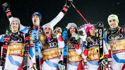 Wie gut fahren die Athletinnen und Athleten von Swiss-Ski an dieser WM. Hier sieht man die Teamweltmeister von 2019. (Jean-Christophe Bott / KEYSTONE)
