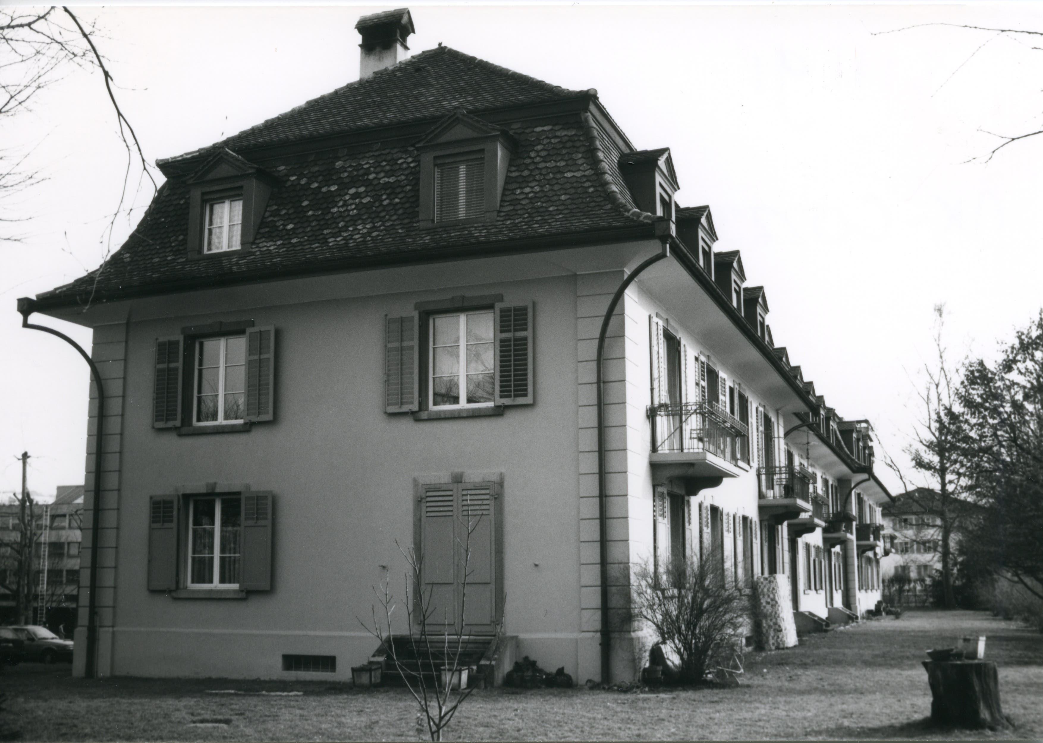 Da Ingenieure und Techniker das Haus an der Scheuermattstrasse 1-5 bezogen, wurde ihm der Übername «Technikum» verliehen. Fotografiert 1988 von Christoph Affentranger.
