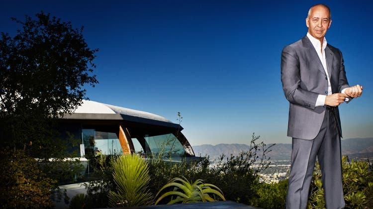 Der Kölner Benedikt Taschen, ein Mann ganz oben. Der Gründer des gleichnamigen Verlags lebt heute in den Hügeln von Hollywood in der Architektur-Ikone von John Lautner, dem «Chemosphere House». (Ni)