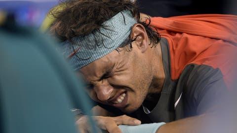 Rafael Nadal startet mit einem Sieg in die Australian Open 2021. Doch ihm macht wieder einmal eine Verletzung zu schaffen. (Dean Lewins / EPA)