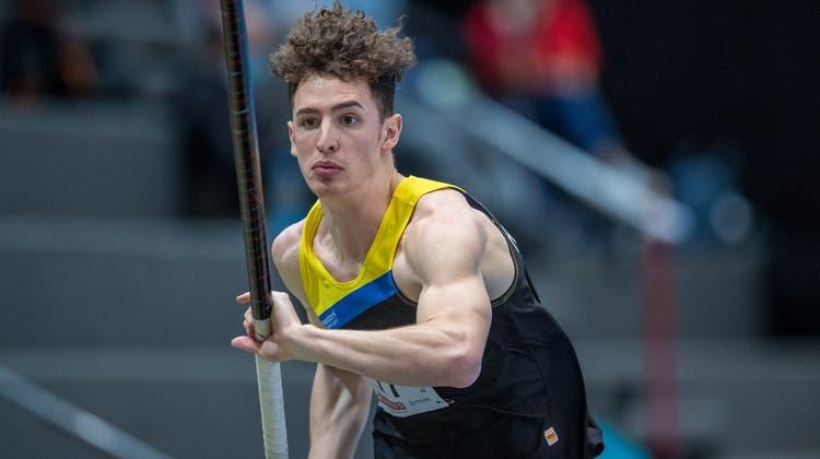 Der Fricktaler Lino Wunderlin (LV Fricktal) holt an den Schweizer Meisterschaften in der Halle im Mehrkampf die Silbermedaille. (Bild: zvg/athletix.ch)
