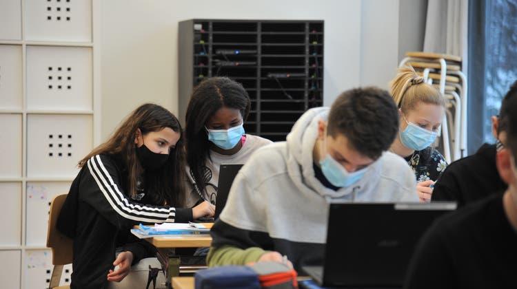 Auf der Oberstufe gilt in Uri zurzeit Maskenpflicht, so wie hier in Altdorf. (Urs Hanhart)