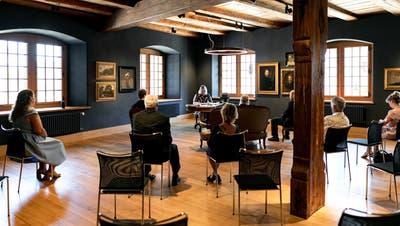 Liebe auf Distanz: Die Trauung im Stäblisaal des Stadtmuseums Brugg fand im Sommer 2020 statt. (Bild: Sandra Ardizzone Photography (21. August 2020))