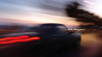Mit 219 km/h über A1: Lockdown-Raser kassiert Bewährungsstrafe und muss teuer bezahlen