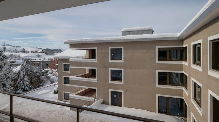 Der Neubau des Alterszentrums an der Luegetenstrasse 10 soll im Sommer bezogen werden. Aktuell sind die Bewohner in einem Provisorium im Eu untergebracht. (Bild: Stefan Kaiser (Menzingen, 19. Januar 2021))
