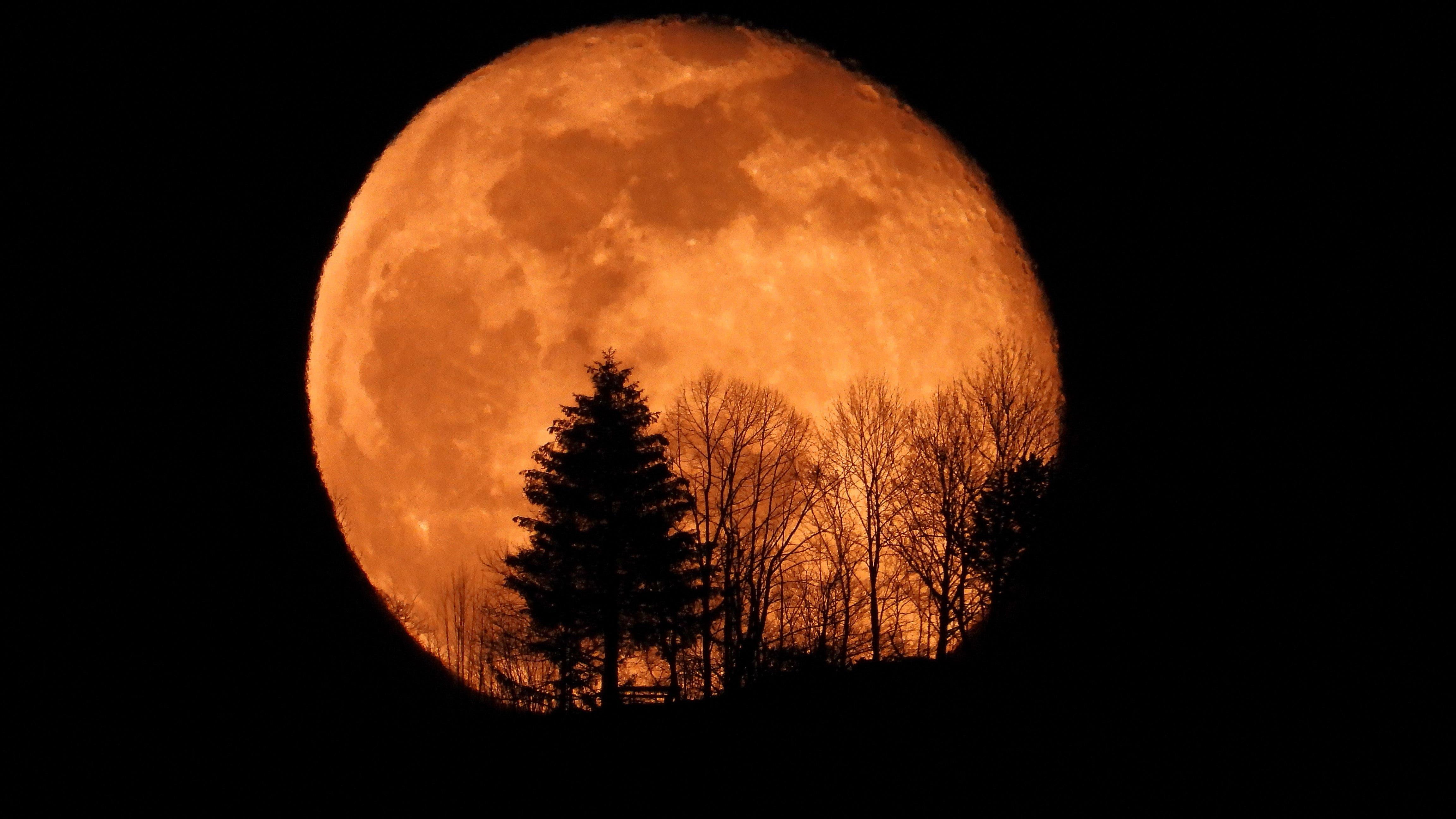 Mondaufgang Emmetten um ca. 20:10 Uhr.