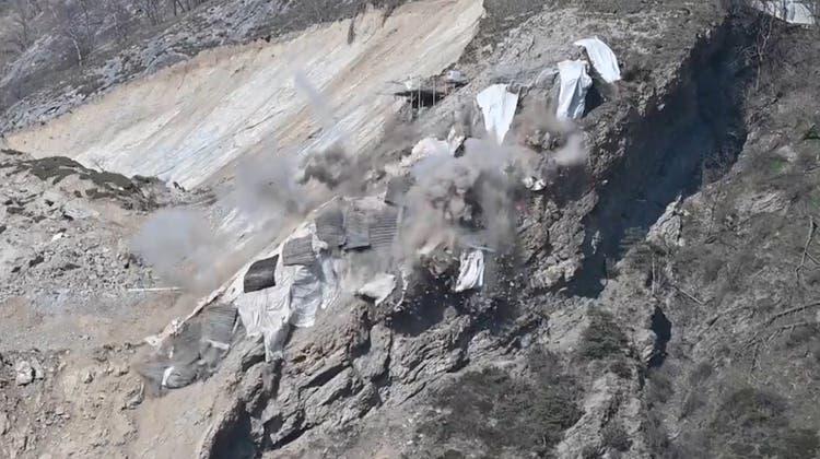 Heftiger Knall im Wallis: Hier werden 1500 Kubikmeter Fels weggesprengt