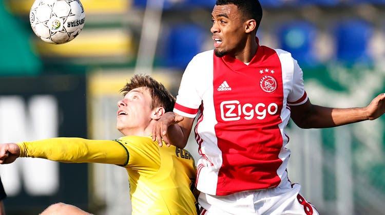 18 Jahre jung und schon 28 Millionen Euro wert: Ryan Gravenberch (Ajax, rechts). (Keystone)