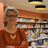 Ton in Ton: Marianne Sax in ihrem neuen alten Bücherladen Sax. (Bild: Mathias Frei)