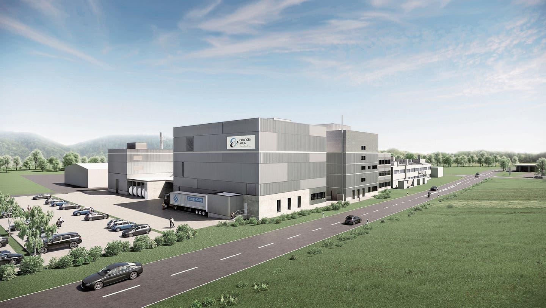 Die Detailplanung wird im Spätherbst beendet sein: Neben der Kantonsstrasse Hunzenschwil–Suhr will Carbogen Amcis ihre Produktionsstätte gross erweitern. (Visualisierung: zvg)