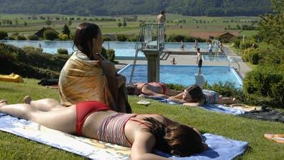 Die wunderschön gelegene Badi Messen muss saniert werden. (Hanspeter Bärtschi/Archiv)