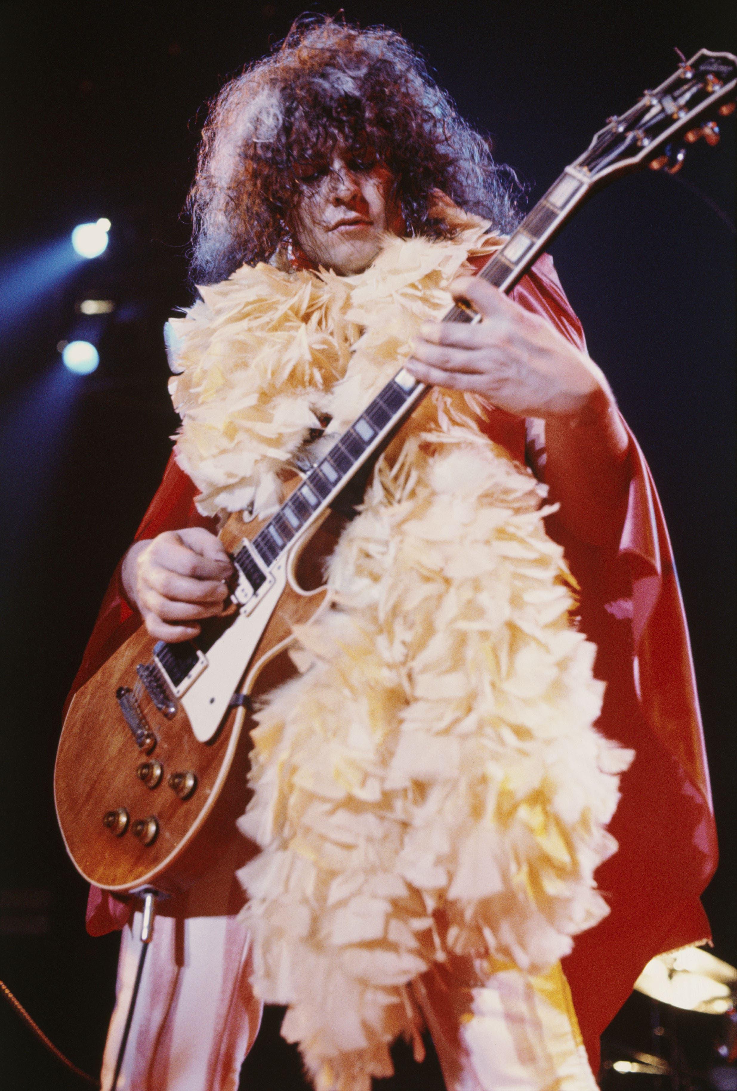 Marc BolanDer Frontmann von T. Rex war der erste und der letzte Star des Glamrock. 1977, zwei Wochen vor seinem 30. Geburtstag, starb er bei einem Autounfall. Mit ihm wurde auch der Glamrock begraben.