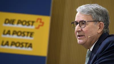 Verwaltungsratspräsident Urs Schwaller gab bei der Pressekonferenz der Post seinen Rücktritt bekannt. (Keystone)