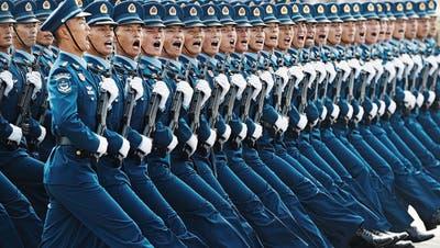 Zwei Millionen chinesische Soldaten sind «kampfbereit»: Was hat Xi Jingping mit ihnen vor?