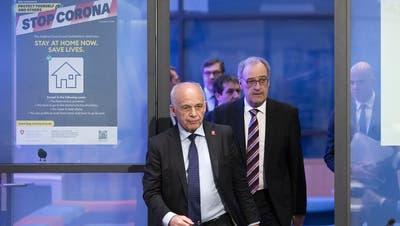 Die SVP soll auch künftig im Bundesrat vertreten sein, findet die SP – wie hier mit Wirtschaftsminister Guy Parmelin (rechts) und Finanzminister Ueli Maurer.