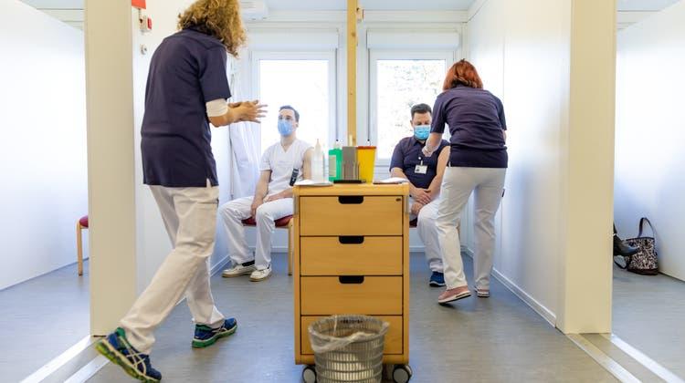 DasImpfzentrumam Asana Spital Menziken (Fabio Baranzini)