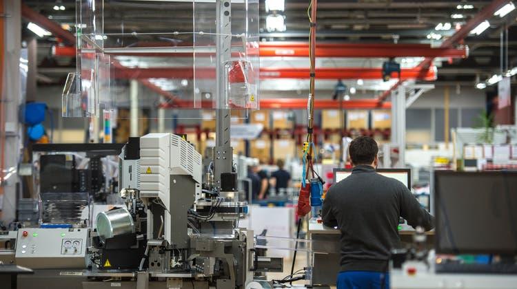 Blick in die Produktion von Komax. (Dominik Wunderli (14. März 2019))
